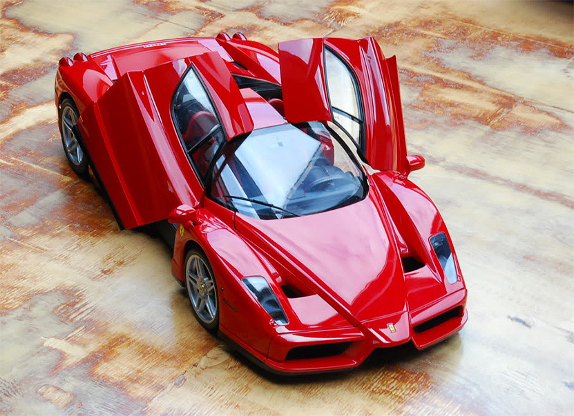 Модель машины Ferrari Enzo от Tamiya