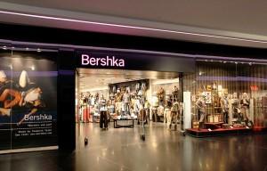Витрина магазина Bershka