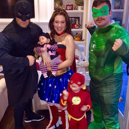 Алиса Милано с семьей на Хэллоуин 2014