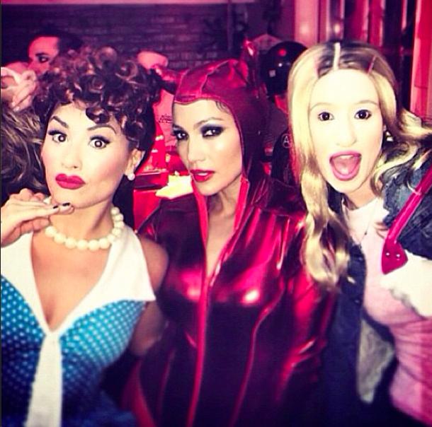 Дженифер Лопез с подругами на Хэллоуин 2014