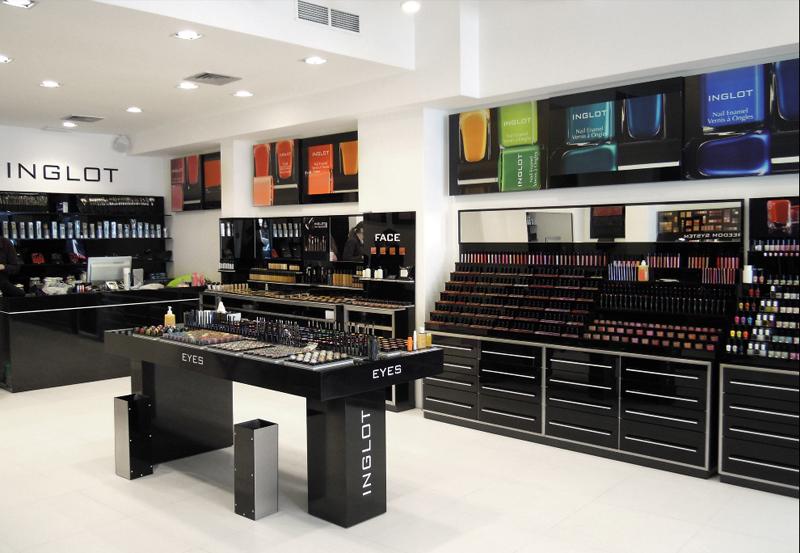 Официальный магазин бренда в Милане